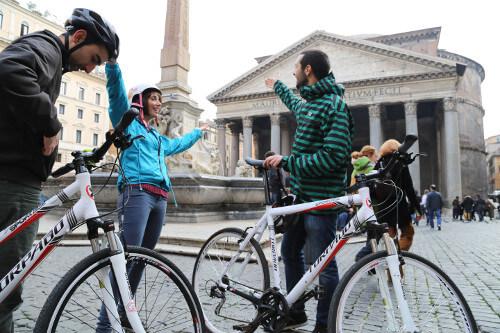 Rome City Bike Tour Stop vor dem Pantheon