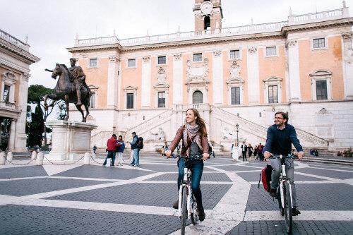 Michelangelo hat den Renaissanceplatz am Kapitol entworfen.