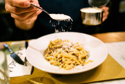 The Cacio e Pepe pasta is one of Rome oldest pasta dishes. Try it on our tour.